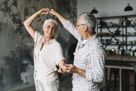 the-real-cbd-blog-cbd-for-dementia-dancing-couple